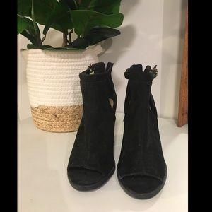 ✨NWOT✨ Black heels